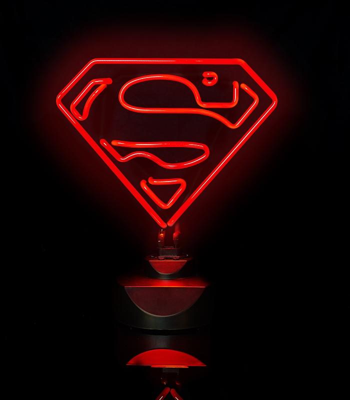 lampe superman n on rouge dc comics. Black Bedroom Furniture Sets. Home Design Ideas